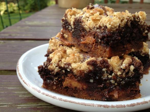 caramel oatmeal brownie bar