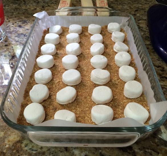 graham cracker and marshmallow layer